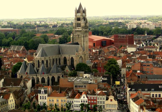 Pedalando em Bruges