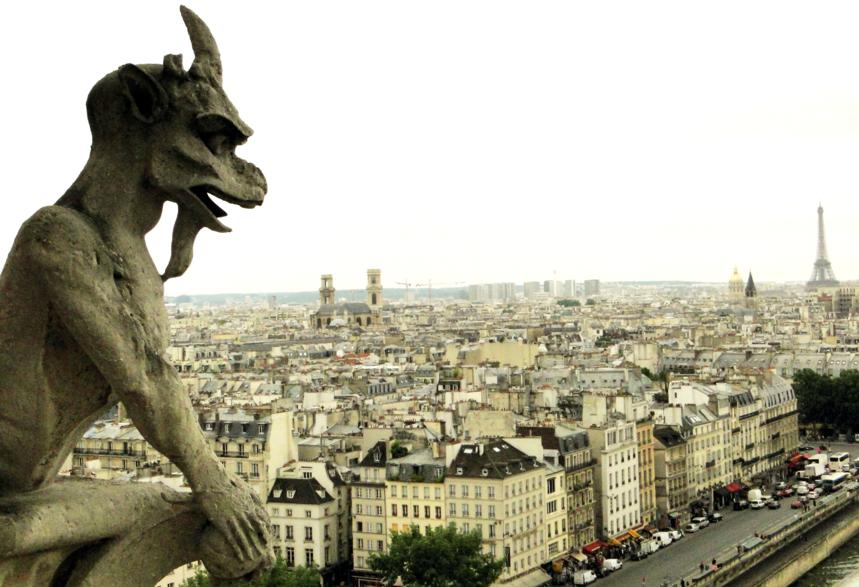 Torres de Notre Dame e Shakespeare & Co