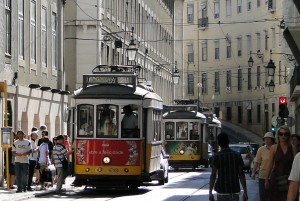 Elétrico Carris na Rua da Conceição