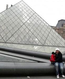 A dupla novamente. Agora no Louvre.