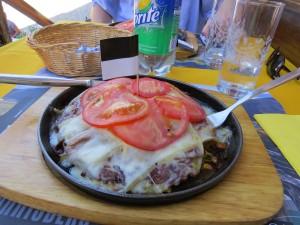 Almoço na Rue du Bourg em Gruyères