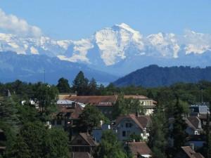 Os alpes vistos de Berna