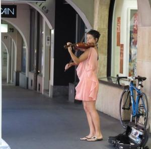 Concerto de violino nas arcadas da Kramgasse