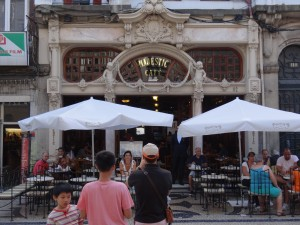 Fachada do Café Majestic