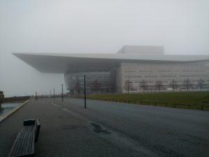 Opera House debaixo de muita neblina
